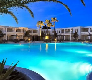 Piscina notte Hotel Vincci Costa Golf Chiclana